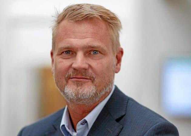 – Nu minskar det igen och det är jäkligt synd för vi har fantastiska förutsättningar för mjölkproduktion i Sverige, säger Patrik Hansson.