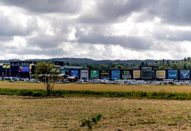 Svenskarnas shoppingyta per person är störst i Europa. Bilden är ifrån Gränshandel Nordby shoppingcenter i Strömstad. Arkivbild.