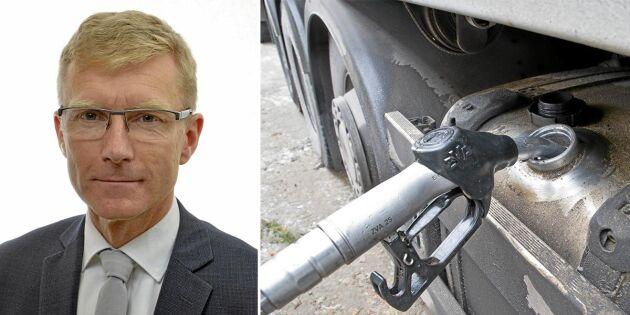 För mycket går på autopilot i Sverige