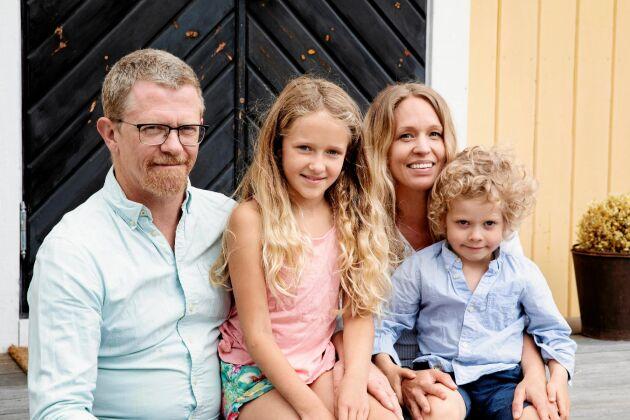 Lena Barkman, Magnus Lorentzon och barnen Ellen och Emrik har gott om plats för lek och umgänge.