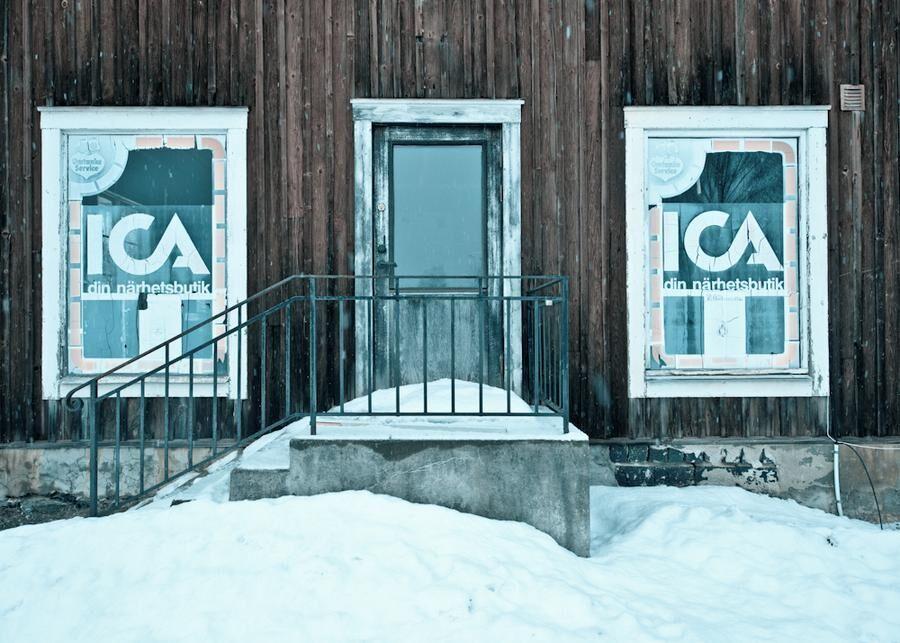 Den gamla ICA-butiken ligger öde. Foto: Wikimedia.