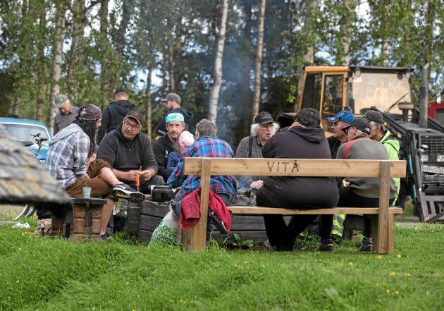 Veterantraktorträffen lockar fler än enbart motorentusiaster. Till Storabro i Vitå kommer män och kvinnor i alla åldrar för att umgås och prata.