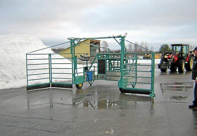 För den som vill kan Leif Anderssons säkerhetslösning även inredas med förlossningshjälpmedel och kalvbox.