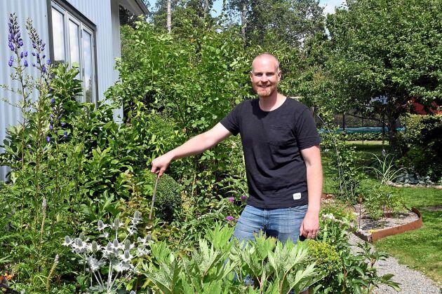 Andreas Benkel tycker om att ta ut svängarna med sin trädgård.