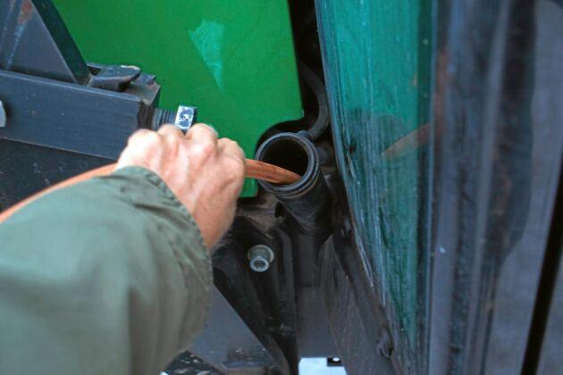 Antalet anmälda fall av dieselstölder gick ned med totalt cirka 10 procent under det senaste året.