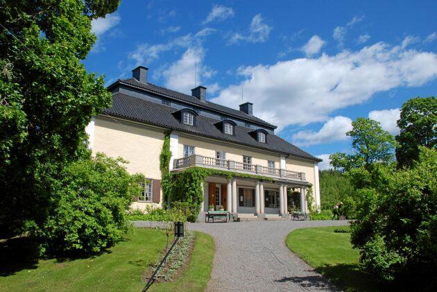 Mårbacka var gården där Selma Lagerlöf föddes. Vid 28 års ålder återvände hon hit.