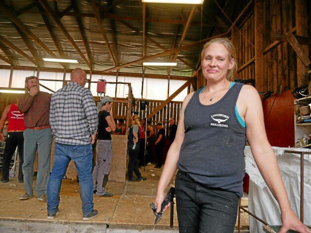 Therese Lindh är fårklippare i Sörmland. - Det bästa med mitt jobb är att det är fysiskt, jag gillar får och jag gillar att träffa andra fårbönder.