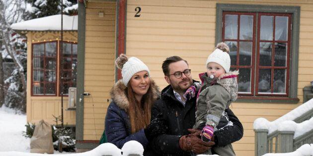 Familjen Carlsson-Hyllgren firar en gammeldags jul i 1800-talsvillan