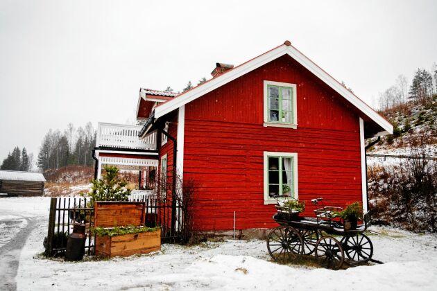 Det timrade huset tillhörde Likanå herrgård och tros ha varit kuskens bostad.