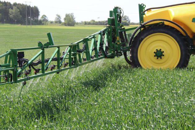 Att tvingas upphöra med konventionellt jordbruk är ett avsevärt försvårande av markanvändandet, enligt Mark- och miljööverdomstolen.