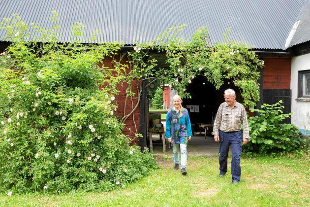 Ing-Marie och Stefan trivs med sitt liv på släktgården.