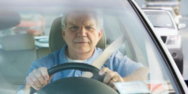 Svenska folket: Äldre med körkort måste testas för att få köra bil