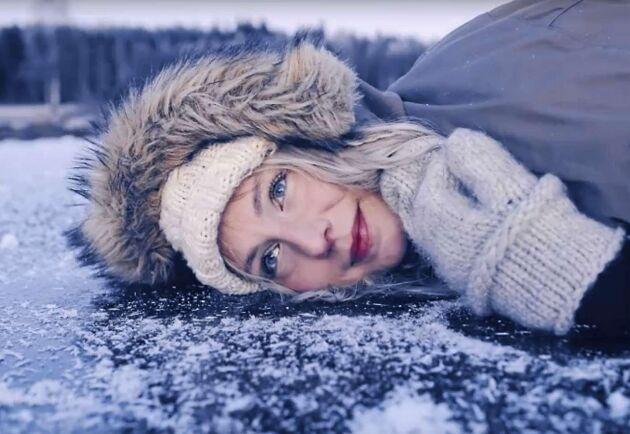 Bloggaren Jonna Jinton berättar om varför isen sjunger.