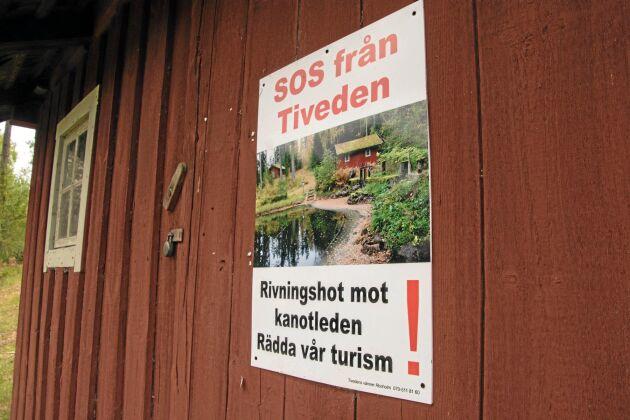 Över 3 000 personer skrev under de protestlistor mot utrivningarna som Tivedens vänner har överlämnat till länsstyrelsens ledning i Örebro.