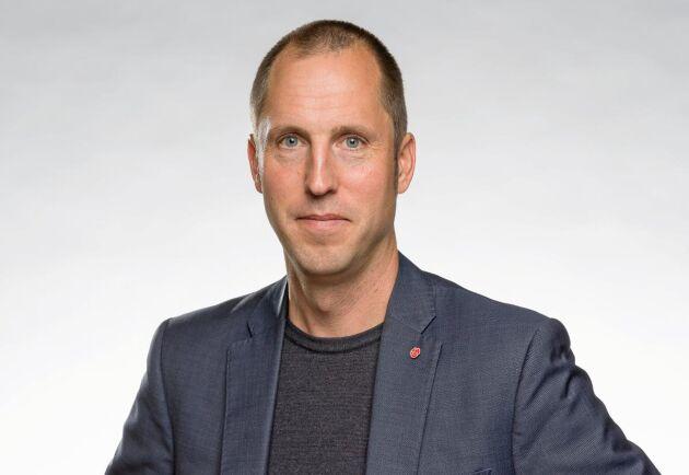 """Erik Pelling (S), kommunalråd i Uppsala, lovar att """"lägga på ett kol"""" för att få fram en ny strategi för ökad betesdrift och hitta en överenskommelse med arrendatorn Vilhelm Nilsson."""