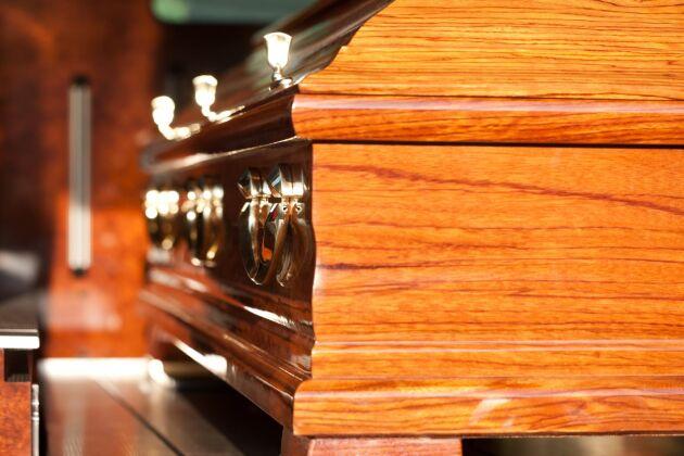 Ny teknik kan halvera materialråvaran på kistor.