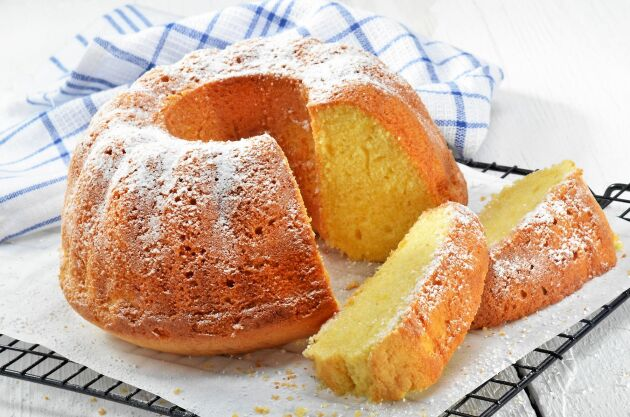 Hemligheten bakom en riktigt saftig sockerkaka är mycket smör. Med det här receptet är det omöjligt att misslyckas!