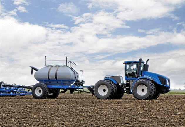 8. New Holland T9.645. 638 hästkrafter. Dragkraft 2 757 Nm. Motor FPT Cursor 13 tvåstegsturbo. Max totalvikt 25 401 kilo.