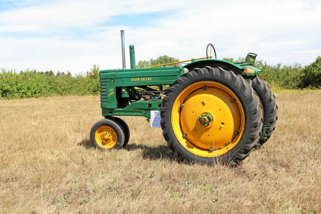 "John Deere Model A ""Old Faithful"" 2-cyl T132."