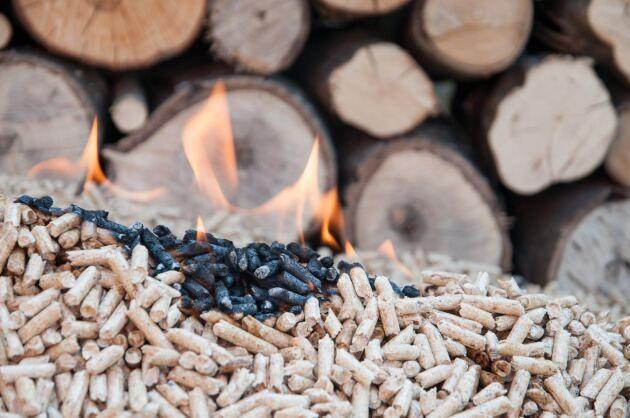 Branden i pelletslagret var snabbt under kontroll.