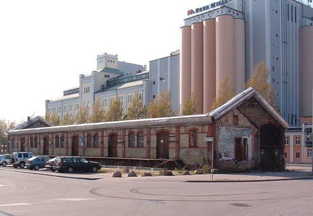 Nord Mills – som är ett dotterbolag till Lantmännen Cerealia – i Malmö. I förgrunden det tidigare godsmagasinet vid Malmö Västra.