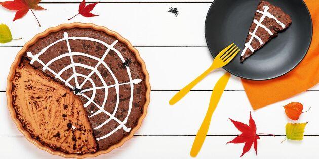 Busig och läskig spindelkladdkaka till Halloweenfirandet!