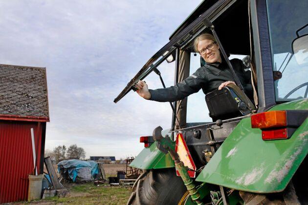 Politikern och växtodlaren Kristina Yngwe är peppad att göra verkstad av Centerns löften. Här på gården i Ystad.