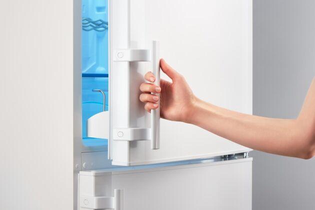 En tio år gammal kombinerad kyl och frys drar i storleksordningen dubbelt så mycket som en ny.