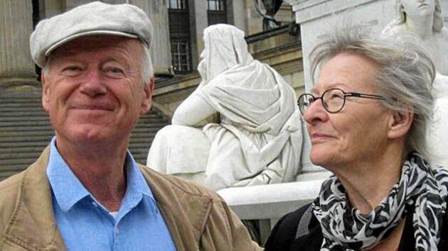 """Ola och Erni Friholt, båda 82 år, ska demonstrera för klimatet på Orust under fredagen. """"Vi gör det gärna så ofta vi bara orkar"""", säger Ola."""
