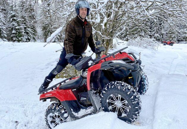 Per Johansson har provkört CF Moto 520, och ger maskinen både ris och ros.