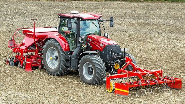 """Case IH Maxxum 145 Activedrive 8 är en av finalisterna i tvälingen """"tractor of the year"""" 2019."""
