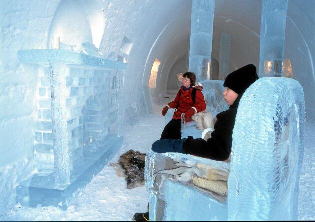 Ishotellet i Jukkasjärvi drar till sig besökare från när och fjärran. Landsbygdsministern tror att turismen i Sverige kommer att få ett rejält uppsving i framtiden.