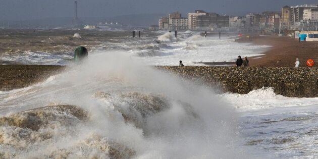 Våldsam vinterstorm drabbar Europa