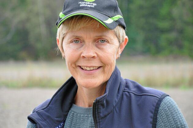 Elisabeth Thisner, Hushållningssällskapet Västra i Skaraborg, rapporterar också om bra skördar både på ekogrödor och konventionella, men helgens regn medförde att skörden stannade av.