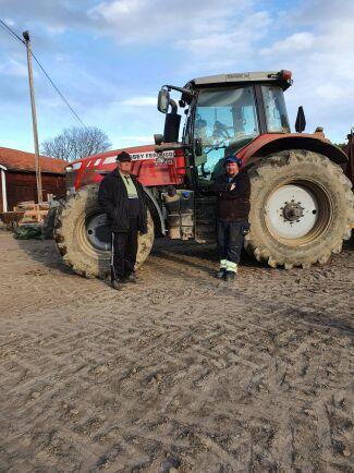 Henrik Wängman och morfar Sune Nordlöv hade hoppats på stöd från försäkringsbolaget när adbluepumpen gick sönder. I år är extra många drabbade på grund av den kalla vintern på många håll.