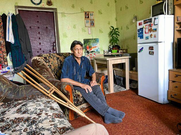Vladimir ingick i en likvideringsgrupp med uppdrag att sanera området kring kraftverket. Nu bor han på ett härbärge för hemlösa.