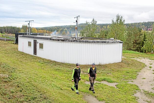 Biogasanläggningen byggdes med två rötningskammare och därför blir gasutbytet ovanligt högt i anläggningen.