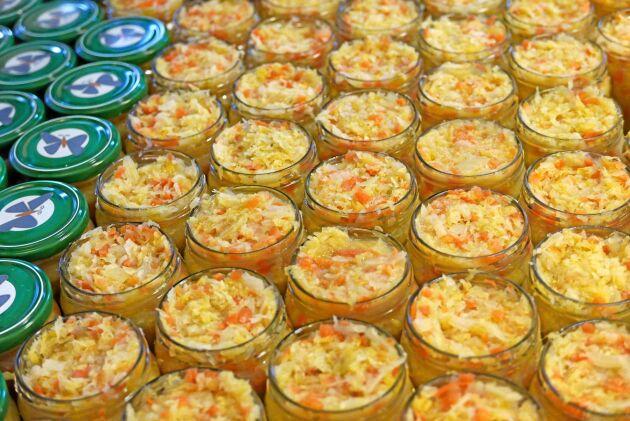 Intresset för koreansk kimchi har ytterligare ökat produktionen. Alla råvaror är svenska ekologiska och företaget köper in från ett antal odlare.