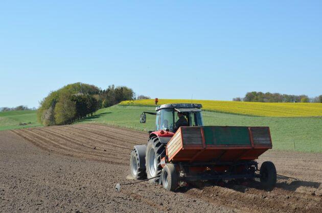 För att lantbruket ska ställa om till fossilfriare energianvändning krävs bland annat en satsning på energirådgivning.