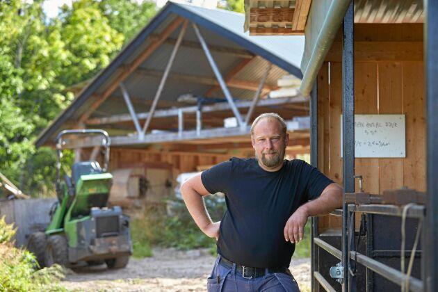 Det var enklare än Daniel trodde att starta gårdsslakteriet, där han även tar emot Linderödsgrisar från andra gårdar i trakten.