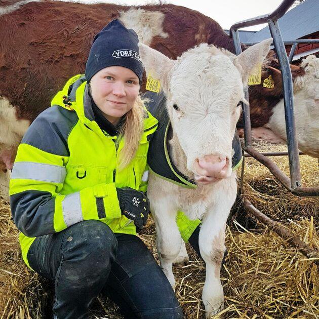 Josefina Andersson tar examen från agrotekniska programmet på BYS den sista maj. Hon går direkt vidare till ett jobb som stallansvarig för 120 mjölkkor plus rekrytering.