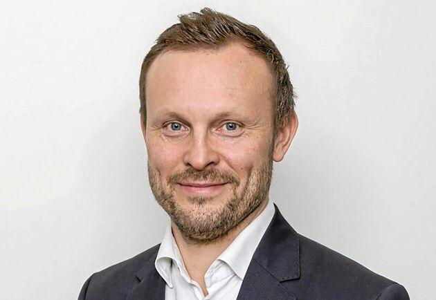 """""""Det är väldigt roligt att vi kan presentera en produkt baserad på svensk skogsråvara. Dessutom en produkt som ligger långt fram i utvecklingen"""", säger Kasper Skuthälla, VD på Rottneros Packaging."""