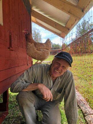 """Pappa Magnus Carlsson är lite av en Oppfinnar-Jocke: """"Jag reparerar lantbruksmaskiner till vardags och har alltid konstruerat lite lustiga grejer vid sidan om"""", säger han."""