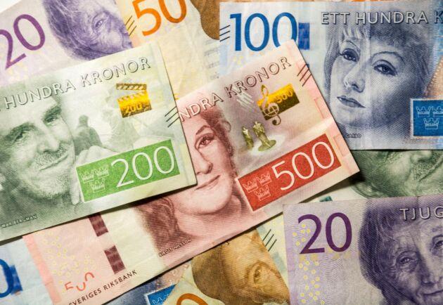 Riksbanken öppnar även upp för att det kan bli aktuellt att låna ut mer än de 500 miljarder kronorna som i dagsläget är utlovade. Arkivbild