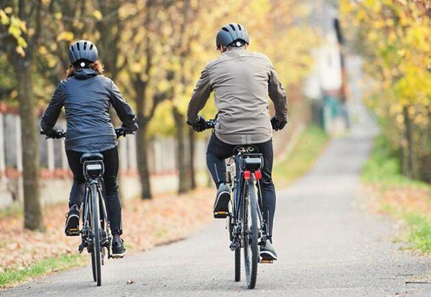 Cykelreglerna är många och inte alltid självklara. Det här kan ge böter i trafiken!