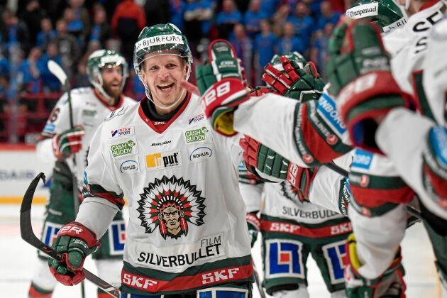 Många evenemang påverkas på grund av coronautbrottet, till exempel hockey.
