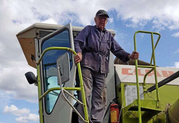 Ingemar Andersson, 92, är snabbast med skördetröskan, vittnar sonen Mats Ingemarsson om.