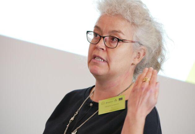 Christina Lundström driver ett projekt som undersöker varför svenska mjölkbönder väljer att investera i mjölkrobotar.