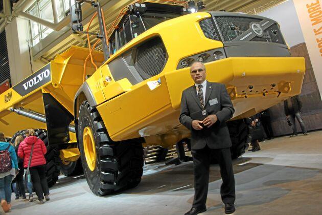 Volvo CE överraskade marknaden på Bauma med lanseringen av en ny jättedumper A60H. Därmed har Volvo tagit fram världens största seriebyggda dumper.