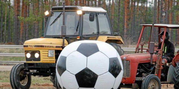 Traktorfotboll - kan det bli en ny succé?
